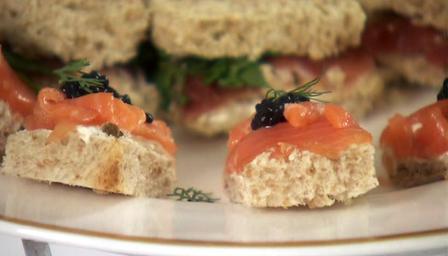 smoked_salmon_and_caviar_29569_16x9